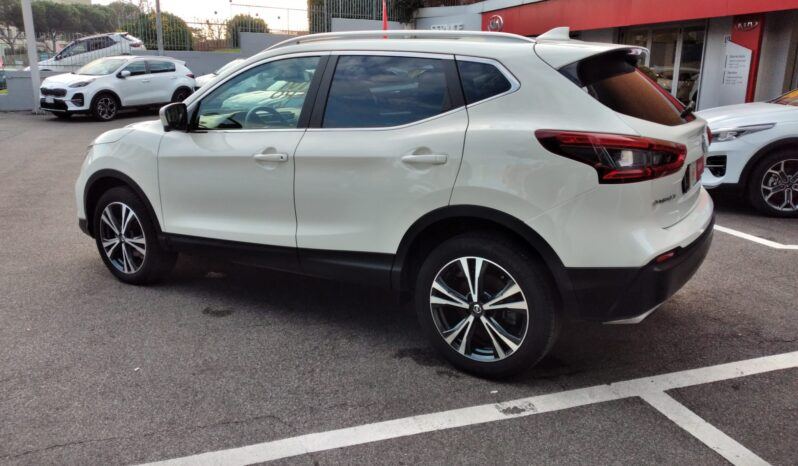 Nissan Qashqai 1.6 dCi 2WD N-Connecta completo